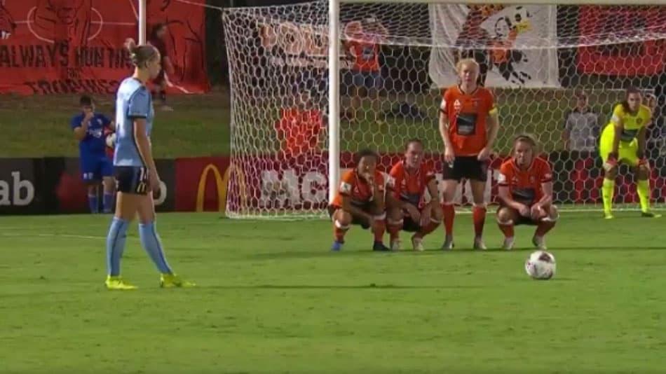barrera en el tiro libre, nueva regla del futbol de la barrera en el tiro libre