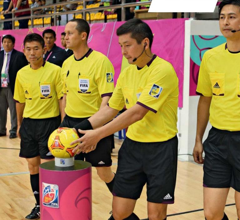 arbitros de futsal y el reglamento