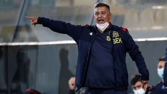 Ronald Fuentes es cesado de Santiago Wanderers