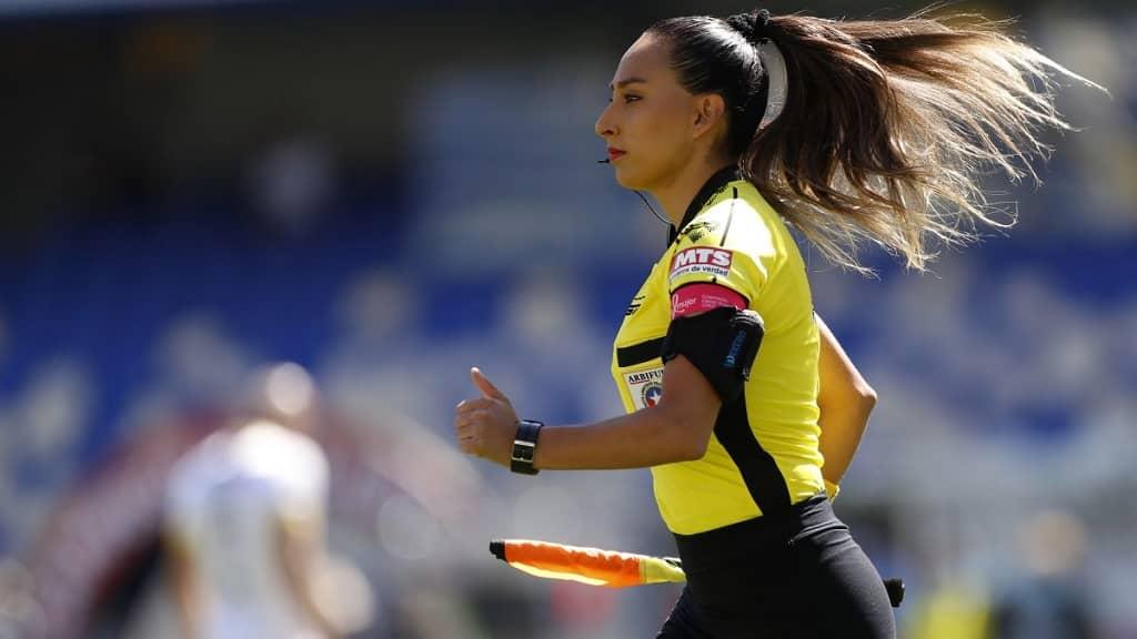 Cindy Nahuelcoy arbitro